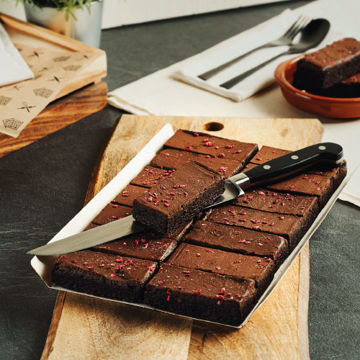 Picture of Gluten-Free & Plant-Based Chocolate & Raspberry Brownie (14p/ptn)