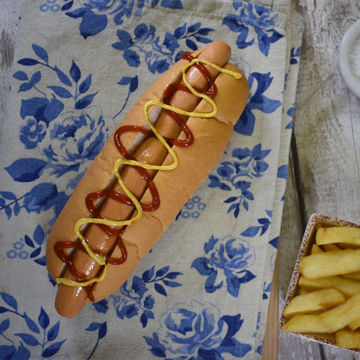 Picture of White 6.5 inch Hot Dog Roll - top sliced (56 x 48g)